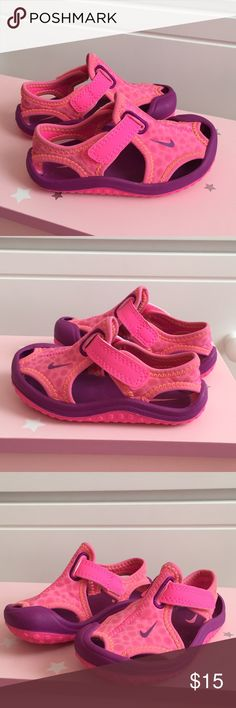 on sale 4bd41 1db14 Nike Velcro Outdoor Water sandals GUC - Nike outdoor water velcro sandals  in pink