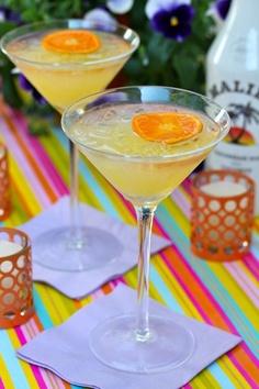Happy Horseshoe Cocktail: Coconut Rum, Creme de Banana and pineapple juice