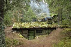 The earth's warmth can be used to protect people from excess cold, as in this cob house with sod roof How To Build An Underground, Off-Grid, Virtually Indestructible Home Tiny Homes Earth Sheltered Homes, Underground Homes, Underground Living, Earth Homes, Survival Shelter, Natural Building, Green Building, Earthship, Cabins In The Woods