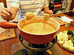 Looking for ideas as to what snacks to feed your guests coming over for game day or movie night? Try this boozy cheesy fondue recipe. It's got beer and cheese, and you can dip all sorts of steamed veggies, bread and cold cuts in it. Don't worry, you won't even get tipsy after eating this.
