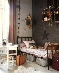 gray's, vintage, boxes, bedroom