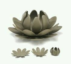Wonderful Free of Charge slab pottery for beginners Suggestions Flor de Lotus – Clay Art Projects, Ceramics Projects, Clay Crafts, Hand Built Pottery, Slab Pottery, Pottery Art, Pottery Clay, Thrown Pottery, Clay Flowers