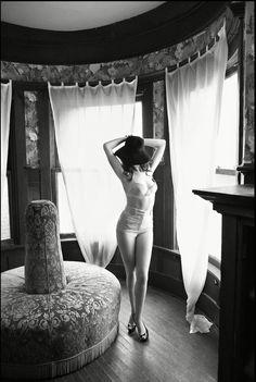 Anne Hathaway| Mark Seliger