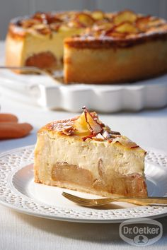 Bratapfel-Käsekuchen Baked apple cheesecake: A successful combination - cheesecake with baked apple Apple Cheesecake, Baked Cheesecake Recipe, Homemade Cheesecake, Classic Cheesecake, Cheesecake Brownies, Cheesecake Desserts, Apple Recipes Easy, Apple Dessert Recipes, Bread Recipes