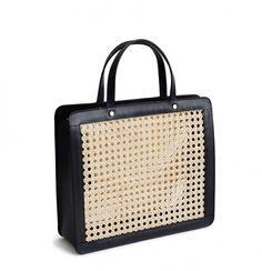 I WANT!!!! Palmgrens klassiska modell från 1950-talet kostar 2 995 kronor.