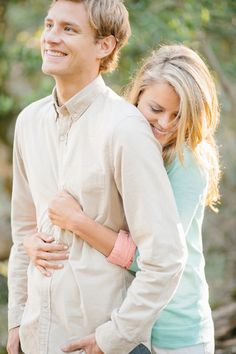 20 Non-Cheesy Poses for Your Engagement Shoot | Bridal Musings Wedding Blog 1