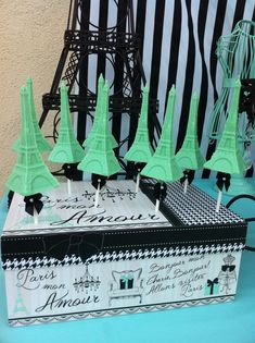 Eiffel Tower treats at a Tiffany party #paris #tiffanyparty
