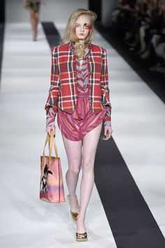 Vivienne Westwood   Londres   Inverno 2016 - Vogue   Desfiles