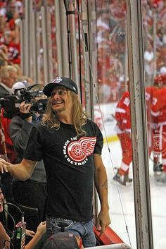 Kid Rock Loves the Wings too Kid Rock Picture, Red Wings Hockey, Detroit Sports, Love My Man, Most Handsome Men, Detroit Red Wings, Celebs, Celebrities, Rock And Roll