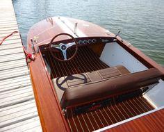 Schnelles 69er Mahagoni-Sportboot mit 30 kW-Elektromotor Chris Craft, Vintage Boats, Old Boats, Luxury Yachts, Wooden Boats, 30 Kw, Old School, Berlin, Classic