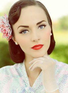 Vintage make-up. Vintage make-up needs good complexion, clear skin (pale? maybe)