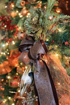 A Little Cuppa Tea: Tuscan Christmas Christmas In Italy, Italian Christmas, Christmas 2017, All Things Christmas, Christmas Holidays, Rustic Christmas, Holiday Themes, Christmas Themes, Christmas Tree Decorations