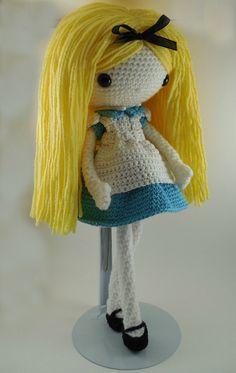 Alice Amigurumi Doll Crochet Pattern PDF by CarmenRent on Etsy ♡
