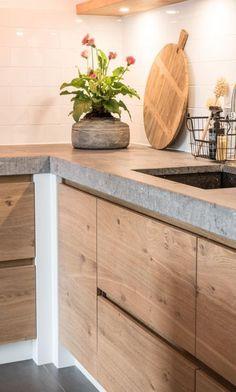 Surprising Ideas Minimalist Interior Design Nooks minimalist kitchen design Home Bedroom Lights minimalist bedroom interior Interior Loft Modern Minimalist Kitchen, Minimalist Interior, Minimalist Decor, Modern Interior Design, Minimalist Wardrobe, Minimalist Bedroom, Modern Minimalist, Minimalist Design, Kitchen Interior