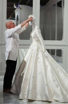 An exclusive look inside The House of Dior: 70 years of Haute Couture at the National Gallery of Victoria - Vogue 🇦🇺 Miranda Kerr's Dior Wedding Dress. Dior Wedding Dresses, Wedding Dress Trends, Bridal Dresses, Wedding Gowns, Wedding Ceremony, Miranda Kerr, Victoria, Haute Couture Dresses, Plus Size Wedding