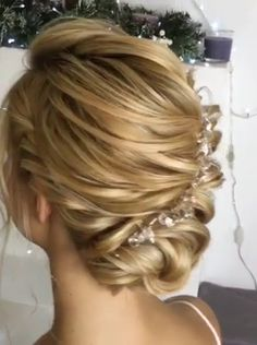 Hairstyle Trending Hairstyles 2019 Easy Hair Bun Hair Bun Can Be Styled For Work Prom Or The Gym From Chic And Romantic To Casual And Flirty Paired With The Prefect Headband Braidedhairstyles Flower Girl Hairstyles, Braided Hairstyles, Peinado Updo, Hair Upstyles, Hair Color Balayage, Trending Hairstyles, Hairstyles 2016, Human Hair Extensions, Curly Hair Styles