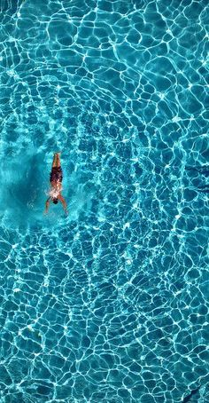 Swimming pool by californiabirdy
