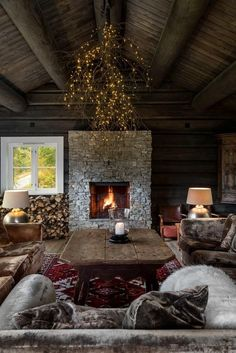Cottage Interiors, Rustic Interiors, Cabin Homes, Log Homes, Modern Lodge, Cabins And Cottages, Winter House, Cabins In The Woods, Interior Exterior