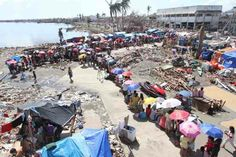 """The distribution of relief goods provided by the government to the victims of super typhoon """"Yolanda"""" ends in December 2013."""