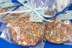 Quick & Easy Chocolate Freckles Recipe kids party ideas or for Christmas! Diy Party Bags, Party Favours, Wedding Favours, Wedding Ideas, Fete Ideas, Party Ideas, Gift Ideas, Lolly Bags, Cake Stall