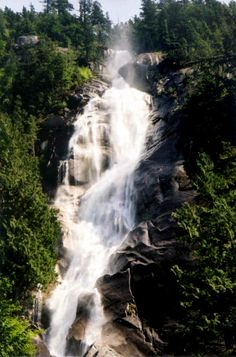 Visit the beautiful Shannon Falls in Whistler - road trip from Vancouver to Whistler- breathtaking - June 2013