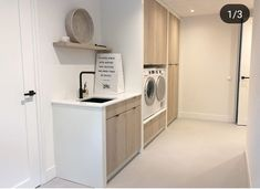 Would you like a clean and tidy laundry room like this Inspiration: villadroomhuis No mess, no fuss! Laundry Room Layouts, Laundry Room Design, Scullery Ideas, Küchen Design, House Design, Utility Room Designs, Happy New Home, Bathroom Toilets, Brighton Houses