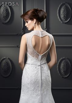 wonnderful slim fittet SPOSA glace wedding gown. More Informations www.dasbrautatelier.de