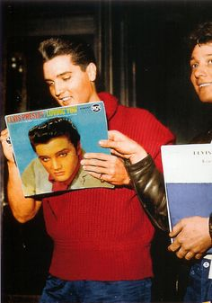 Elvis checks out his own album