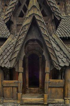 Norwegian Stave Churches Amazing Architecture, Architecture Details, Casas Tudor, Viking House, Viking Art, Place Of Worship, Kirchen, Beautiful Buildings, Abandoned Places