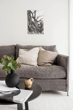 Please Visit 44 Unique Taupe Couch Living Room Post to Read Full Article. Sofa Pillows, Living Room Sofa, Living Room Decor, Room Inspiration, Interior Inspiration, Taupe Sofa, Linen Couch, Elderly Home, Ideas