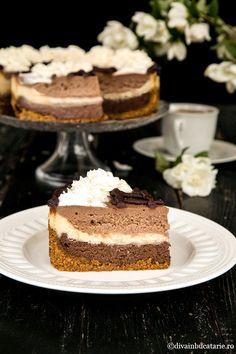 Cheesecake cu ciocolata in trei culori – reteta de cheesecake copt – are o prezentare impresionanta si un gust extraordinar Ricotta, Allrecipes, Chocolates, Food Inspiration, Tiramisu, Crockpot, Cheesecake, Blessed, Cook