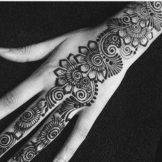 Henna @hajrashenna