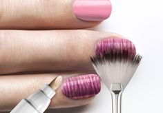 Četkica za šare na noktima :)