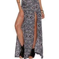 Kendall & Kylie maxi skirt WORN ONCE Tribal print, two slits in front. Great to dress up or down! Kendall & Kylie Skirts Maxi