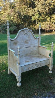 Painted Bench, Shabby Chic Bench, Cottage Style Bench, Bed Bench love this Made from a old bed frame Shabby Chic Furniture, Refurbished Furniture, Repurposed Furniture, Furniture Makeover, Simple Furniture, Rustic Furniture, Trendy Furniture, Painted Furniture, Diy Furniture
