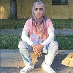 anisastoffel muslim muslim outfit muslimah pink pastel pastel pink jersey white ripped jeans jeans converse white converse hijab dope trill swag fashion streetwear streetstyle