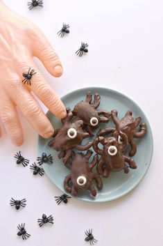Chocolate Halloween Spiders made with dates and gluten free pretzels