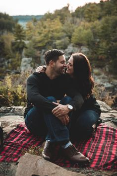 Engagement Photos | Portrait Photographer | romantic engagement pictures in Wisconsin | best engagement pictures | top wedding photography | st. croix falls wi photographer | interstate park | outdoor woods| romantic couple