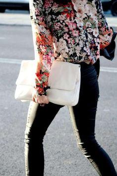 floral blouse / black / white
