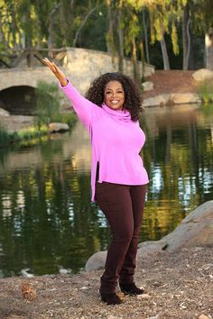Oprah Winfrey Reveals Her Favorite Weight Watchers Tips & Tricks for Losing 30 Pounds Weight Watchers Motivation, Weight Watchers Tips, Weight Loss Tips, Celebrity Gossip, Celebrity News, Oprah Winfrey Show, Lose 40 Pounds, Great Women, Celebs