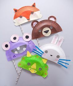 Fun with paper plate masks. Make these paper plate masks at a party or for fancy dress! Animal Masks For Kids, Animal Crafts For Kids, Easy Crafts For Kids, Toddler Crafts, Creative Crafts, Preschool Crafts, Mask For Kids, Diy For Kids, Fun Crafts