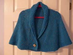 Ravelry: Library Capelet pattern by Lion Brand Yarn free Shawl Patterns, Knitting Patterns Free, Hand Knitting, Knitted Capelet, Crochet Poncho, Capelet Knitting Pattern, Lion Brand Yarn, How To Purl Knit, Clothes Crafts