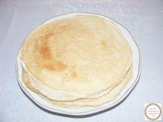 Clatite Vanilla Cake, Ethnic Recipes, Desserts, Food, Tailgate Desserts, Deserts, Essen, Dessert, Yemek
