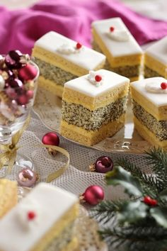 Juditka konyhája: ~ FRANCIA MÁKOS ~ Cookie Recipes, Dessert Recipes, Desserts, Poppy Cake, Sweet Cookies, Feta, Xmas, Sweets, Cheese