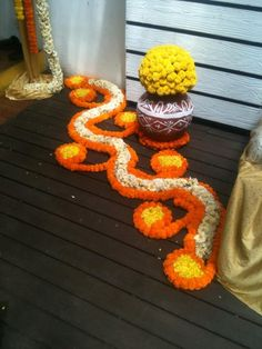 Flower decoration is one of the best kind of decoration for any festival. And Diwali around the corner, Decorate Home With These Easy Flower Decor Ideas Rangoli Designs Flower, Rangoli Patterns, Rangoli Ideas, Rangoli Designs Diwali, Diwali Rangoli, Flower Rangoli, Beautiful Rangoli Designs, Flower Designs, Diwali Flowers