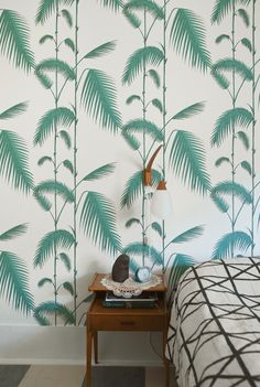 Cole and son palm wallpaper Palm Wallpaper, Print Wallpaper, Leaves Wallpaper, Amazing Wallpaper, Wallpaper Patterns, Bedroom Wallpaper, Cole And Son, Inspiration Wall, Interior Inspiration
