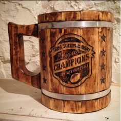 This instructable is for making a big wooden beer mug. I made it 15cm x 22cm. It is not so suitible for drinking beer (pallet wood can be toxic) but for decorative...