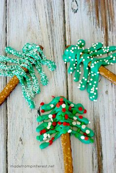 Look at these darling Pretzel Christmas Trees.  They are so quick and easy that you can make a lot very fast!
