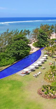 Take a dip in the knife-shaped  infinity pool overlooking the Indian Ocean.