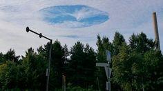 (adsbygoogle = window.adsbygoogle || []).push();   Un 'agujero' en el cielo de Helsinki (Finlandia) ha atraído las miradas de muchas personas durante la mañana de este miércoles, informan medios locales. Los testigos presenciales han observado cómo diversas nubes se han...